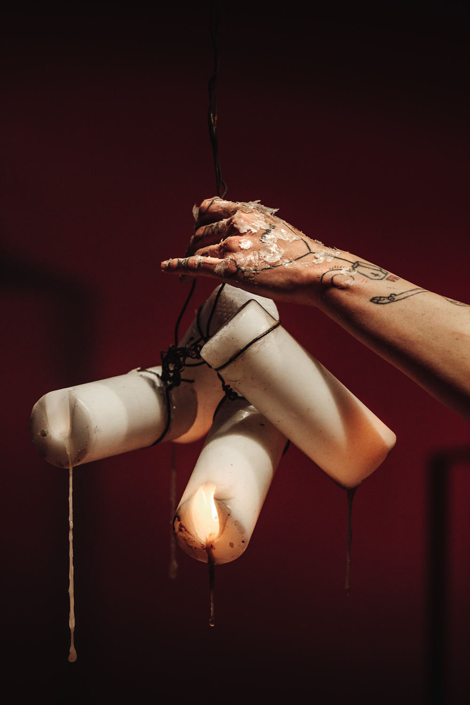 "Enok Ripley, ""Anam Cara – Dwelling Body"", Venice International Performance Art Week, Palazzo Mora, Venice, 2018 © Guido Mencari"