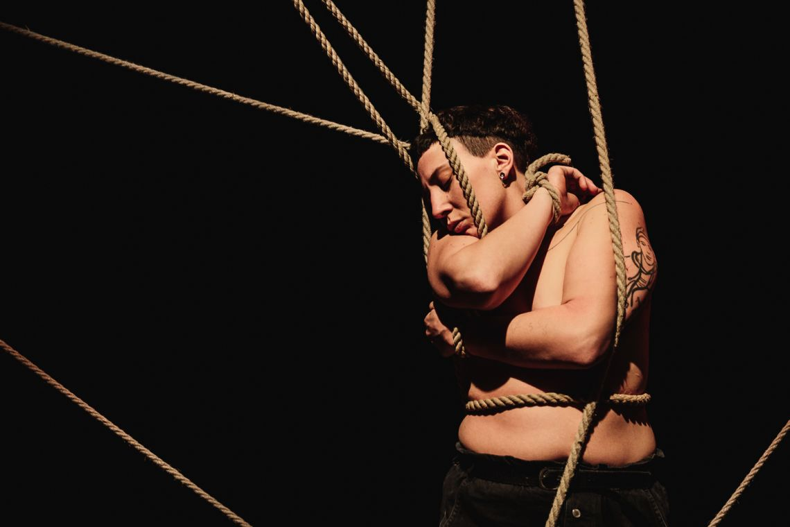 "Giorgia de Santi, ""Anam Cara – Dwelling Body"", Venice International Performance Art Week, Palazzo Mora, Venice, 2018 © Guido Mencari"