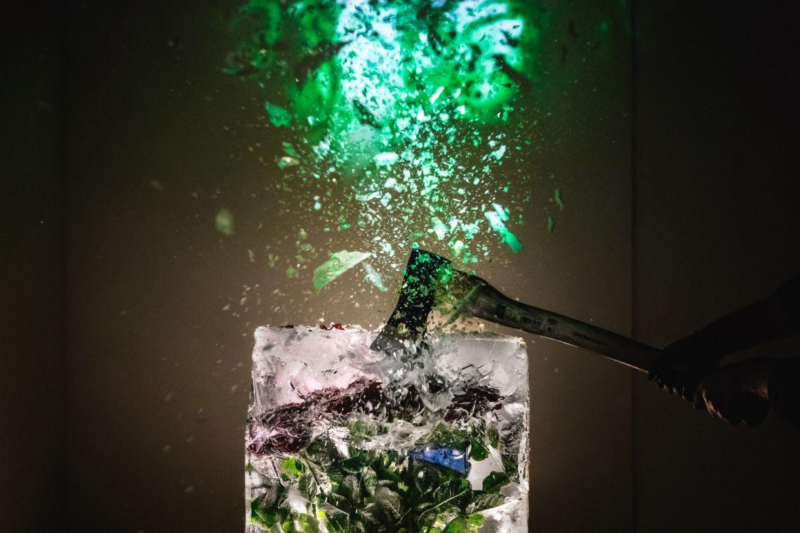 "Francesco Kiais, ""Anam Cara – Dwelling Body"", Venice International Performance Art Week, Palazzo Mora, Venice, 2018 © Guido Mencari"