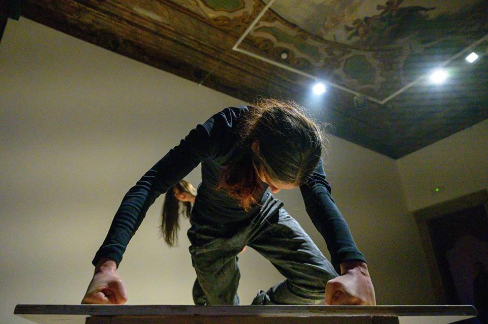 Sara Simeoni,Anam Cara – Dwelling Body, Venice International Performance Art Week, Palazzo Mora, Venice, 2018© Alexander Harbaugh