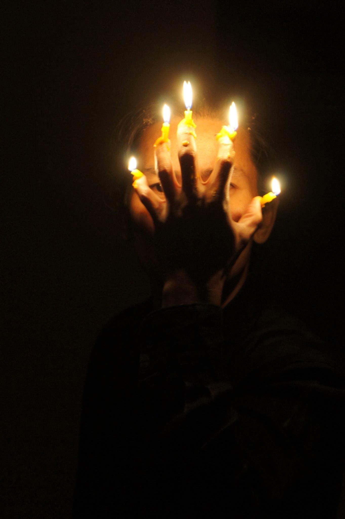 Jason Lim, Duet (Light) I and II (2012), live durational performancesand photographic exhibitionNature/Portrait/Study at the VENICE INTERNATIONAL PERFORMANCE ART WEEK 2012.Image © Daniela Beltrani.