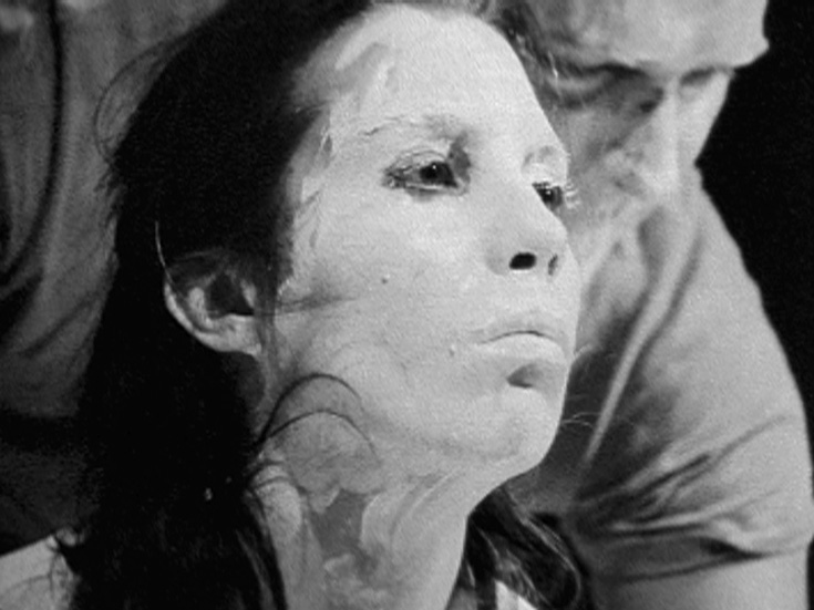 Carolee Schneemann, Snows. Still from the documentation (1967). Courtesy of Electronic Arts Intermix.