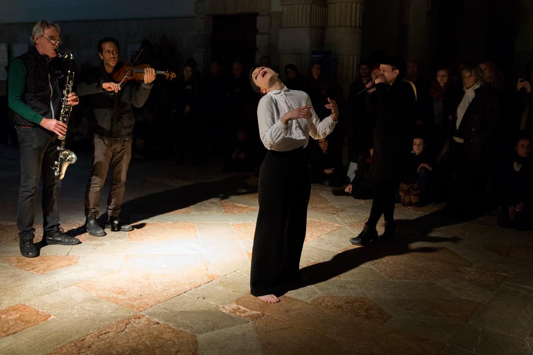 Terry Smith, The Foundling.Venice International Performance Art Week (2014). Photograph by Monika Sobczak.