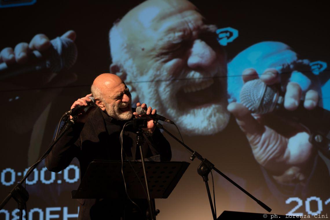 Giovanni Fontana, Epigenetic Poem. Performance at the III Venice International Performance Art Week 2016. Image © Lorenza Cini