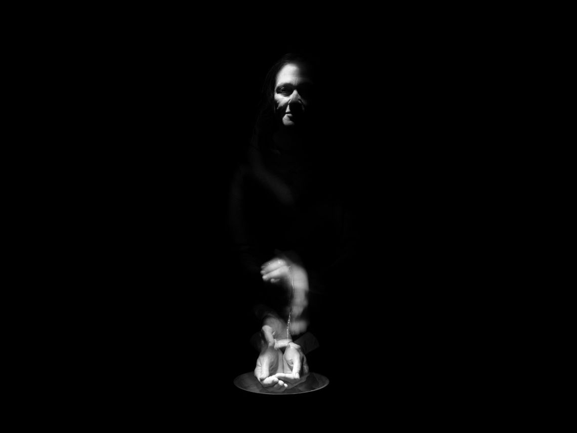 Marilyn Arsem, Venice International Performance Art Week © Claire Clelia Baldo_Fatica